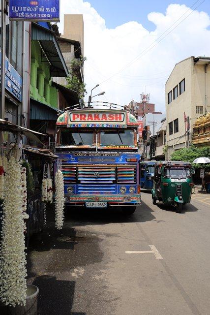 dans la rue à Colombo - l'autre ailleurs au Sri-Lanka, une autre idée du voyage