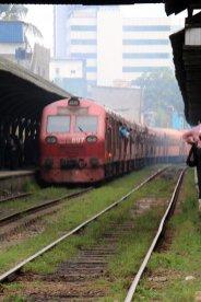 Le train à Colombo - l'autre ailleurs au Sri-Lanka, une autre idée du voyage