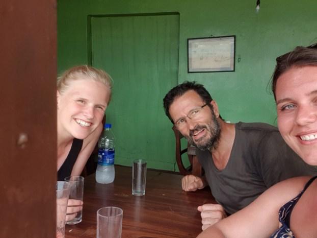 retrouvailles et déjeuner avec Liesbesth et Eva à Galle - l'autre ailleurs au Sri-Lanka, une autre idée du voyage
