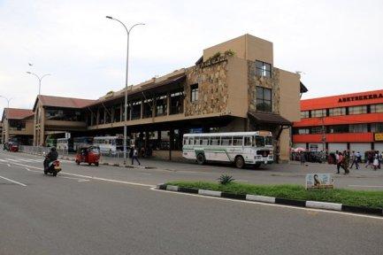 la gare des bus de Galle - l'autre ailleurs au Sri-Lanka, une autre idée du voyage