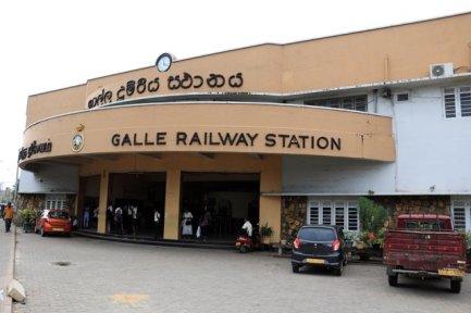 la gare ferroviaire de Galle - l'autre ailleurs au Sri-Lanka, une autre idée du voyage