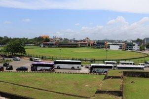 le stade de cricket depuis les fortifications de la partie vieille ville de Galle - l'autre ailleurs au Sri-Lanka, une autre idée du voyage