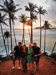 coucher de soleil sur la plage des cocotiers avec Eva, Liesbeth et Alex à Mirissa - l'autre ailleurs au Sri-Lanka, une autre idée du voyage