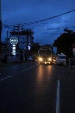 la rue principale de Mirissa - l'autre ailleurs au Sri-Lanka, une autre idée du voyage