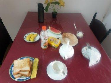 petit déjeuner dans l'hôtel Cannel Side Guest House de Polonnâruvâ - l'autre ailleurs au Sri-Lanka, une autre idée du voyage