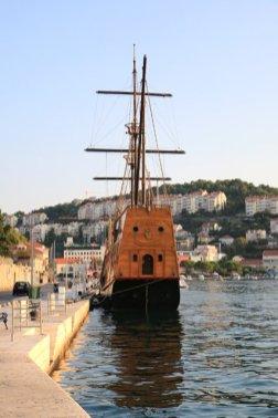 à l'extérieur de la vieille ville de Dubrovnik - l'autre ailleurs en Croatie, une autre idée du voyage
