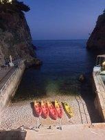 vue sur la mer avec une bière pour finir la journée à Dubrovnik - l'autre ailleurs en Croatie, une autre idée du voyage