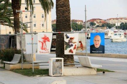 une expo sur la tolérance sur le port de Split - l'autre ailleurs en Croatie, une autre idée du voyage