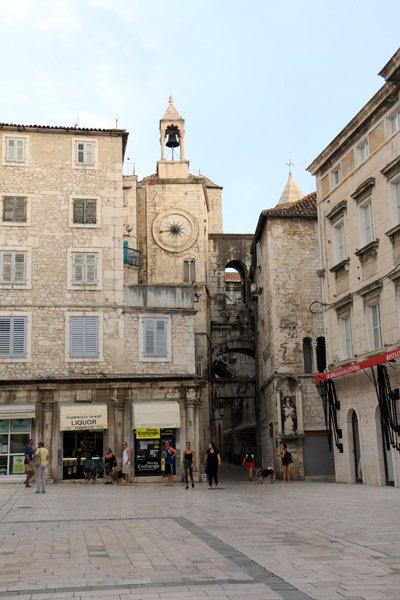 Narodni trg, place du centre ville de Split - l'autre ailleurs en Croatie, une autre idée du voyage