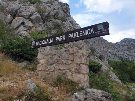 à l'entrée du le parc national de Paklenica - l'autre ailleurs en Croatie, une autre idée du voyage