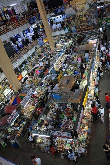 dans le marché woworot à Chiang Mai - l'autre ailleurs au Myanmar (Birmanie) et Thaïlande, une autre idée du voyage
