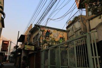 la rue de mon hôtel (Born Guest House) à Chiang Mai - l'autre ailleurs au Myanmar (Birmanie) et Thaïlande, une autre idée du voyage