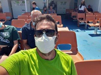 à bord du bateau, le bac pour traverser la Garonne à Le Verdon sur mer (33) vers Royan (17) - l'autre ailleurs en Vélo, une autre idée du voyage (www.autre-ailleurs.fr)