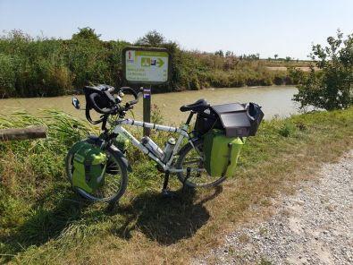 la Vendée en vélo, le canal de Luçon (85) - l'autre ailleurs en Vélo, une autre idée du voyage (www.autre-ailleurs.fr)