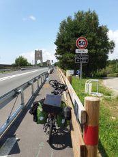 le pont du bonhomme à Kervignac (56) , c'est moi le bonhomme ? ;-) - l'autre ailleurs en Vélo, une autre idée du voyage (www.autre-ailleurs.fr)