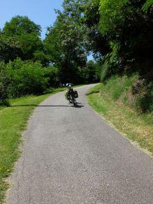 pour la première étape, le premier jour de ce périple, je commence fort avec un très belle côte - l'autre ailleurs en Vélo, une autre idée du voyage (www.autre-ailleurs.fr)