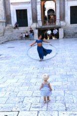 elle impressionne petits et grands dans le péristyle à Split - l'autre ailleurs en Croatie, une autre idée du voyage