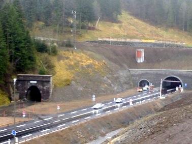 Ancien et nouveau tunnel du Lioran, côté Murat, Cantal