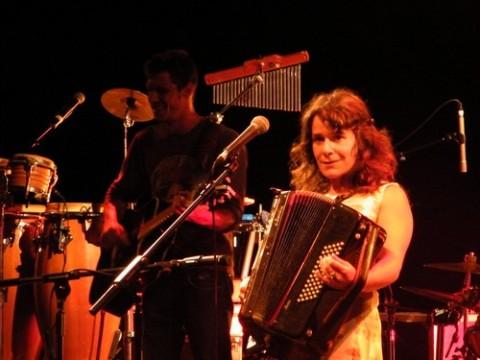 Nigelle, accordéon, vielle, paroles et son