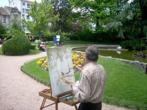 Peintre d'Aurillac dans la rue