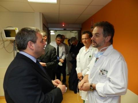 Xavier Bertrand en visite à l'hopital d'Aurillac