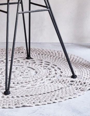 Modèle tapis rond écru Phil Matelot
