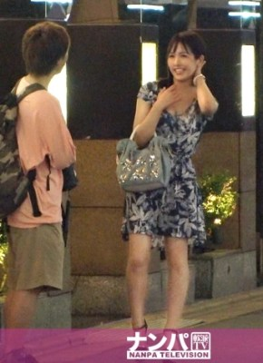 マジ軟派、初撮。 1530 新宿のラブホ街でOLと風俗嬢の二足の草鞋を履く美人!お客さんとの初本番でアン♪アン♪喘ぎまくりw初体験でいっぱいイっちゃってます♪ [200GANA-2355]