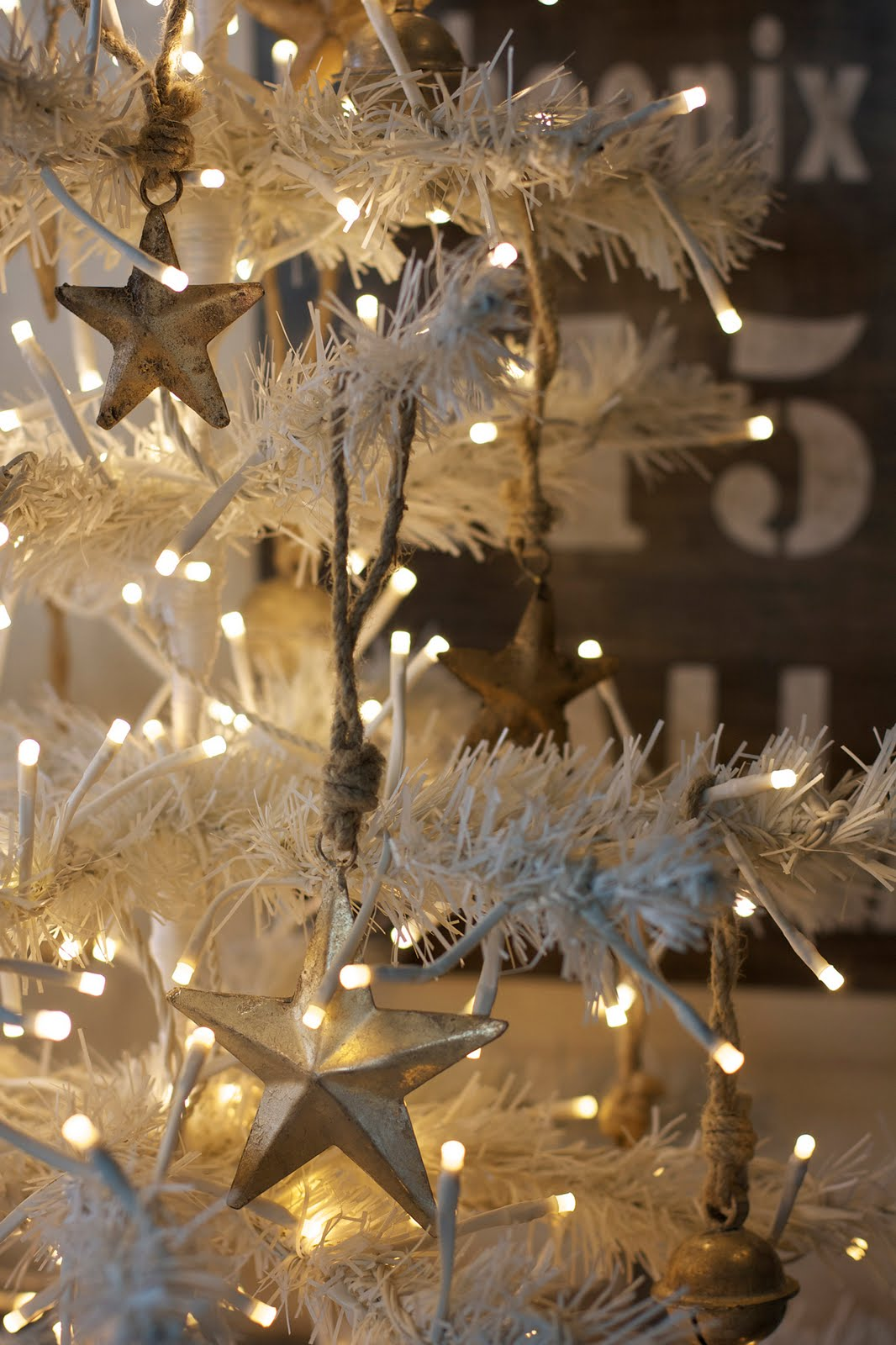 35 Beautiful Gold And White Christmas Dcor Ideas