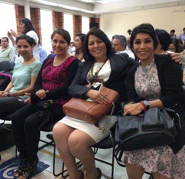 Las Diputadas Norma Alicia Popoca Sotelo y Hortencia Figueroa Peralta, Presidente y Secretaria de la Comisión de Igualdad de Género del Congreso del Estado
