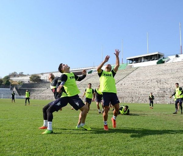 """Arroceros de Cuautla, Lobos BUAP, Pumas de la Universidad y recientemente el Club América, que dirige Miguel """"el Piojo"""" Herrera"""