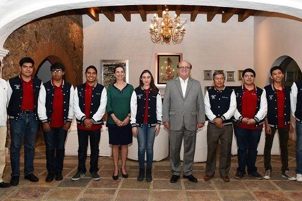 Graco Ramírez reconoció el esfuerzo de cada uno de los jóvenes y los conminó a continuar fortaleciendo sus capacidades