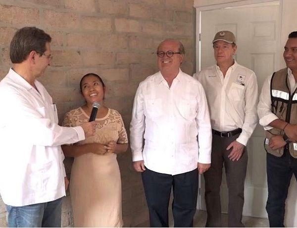 El programa Unidos por Morelos y las fundaciones Azteca y Échale a tu Casa entregaron 72 viviendas a familias de la comunidad de Valle de Vázquez, en el municipio de Tlaquiltenango, que perdieron su patrimonio durante el sismo del pasado 19 de septiembre