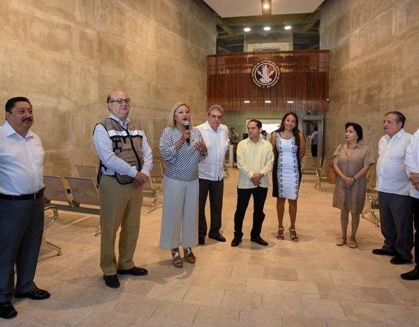 Reconoció la participación de los estudiantes de la Facultad de Arquitectura de la Universidad Autónoma del Estado de Morelos (UAEM), que llevaron a cabo el diseño del edificio, cumpliendo con los requerimientos del Sistema de Justicia Penal; e informó que, a través de la Iniciativa Mérida, el edificio será equipado con la más alta tecnología