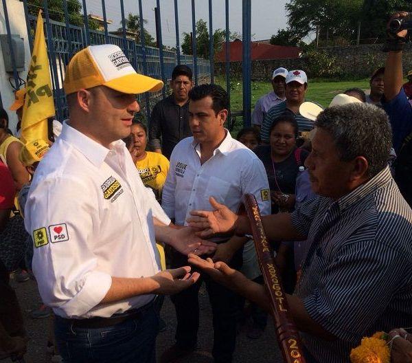 Se comprometió con los habitantes de Xoxocotla a construir el Palacio Municipal, con el fin de que el consejo de este nuevo municipio indígena tenga un lugar para atender a los ciudadanos