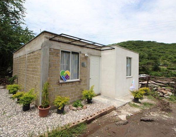 Unidos por Morelos, el Coorporativo ISA y la Fundación ¡Échale! A tu casa entregaron en Huaxtla, Tlaquiltenango, casas a las familias que fueron afectadas por el sismo del 19 de septiembre