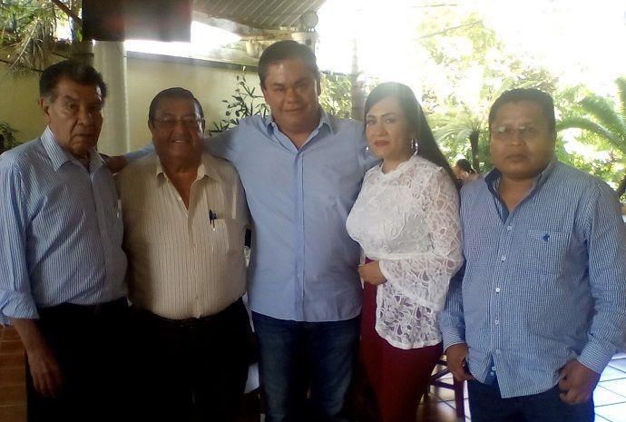 Rafael Reyes, tras agradecer el respaldo de la Federación, indicó que el trabajo no será fácil, ya que recibe un municipio minado en todas las áreas, con pasivos difíciles de subsanar, pero no imposibles