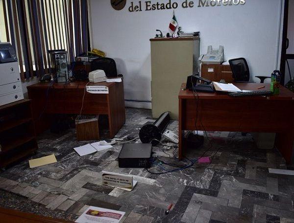 Asimismo, acusaron al gobierno de Cuauhtémoc Blanco Bravo de esta bloqueando la instalación del Concejo Municipal de Xoxocotla, que entrará en funciones el próximo 01 de enero de 2019, junto con los de Tetelcingo, Coatetelco y Hueyapan, declarados municipios indígenas por la anterior LIII Legislatura del Congreso local