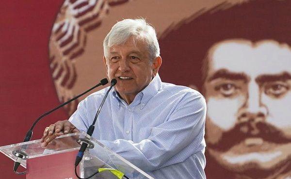 Ante miles de campesinos y tras la petición de Jorge Zapata, nieto del general y caudillo del Sur Emiliano Zapata Salazar, el mandatario se comprometió a presentar opciones sobre el futuro de la Termoeléctrica, pero la decisión será del pueblo, repitió