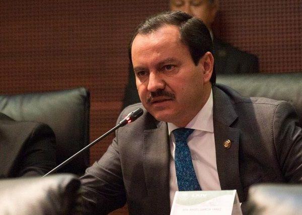 Demandó a la Fiscalía General del Estado atienda los hechos y sean detenidos y sancionados los reponsables; y reveló que nadie se ha acercado a él, salvo el secretario de Gobierno, Pablo Ojeda Cárdenas, quien les escribió un mensaje