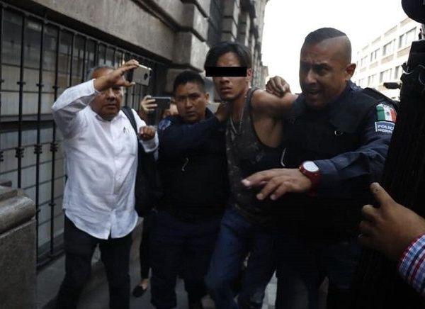 """En audiencia inicial realizada esta tarde, un juez de control calificó de legal la detención de Maximiliano """"N"""" de 22 años de edad, quien el pasado miércoles habría accionado un arma de fuego lesionando a cuatro personas, dos de ellas que pierden la vida a consecuencia de las lesiones"""