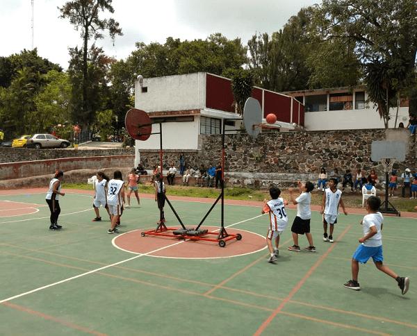 Participaron niños de las colonias y poblados: Lagunilla, Satélite, Unidad Morelos, Flores Magón, Santa María, Lienzo del Charro, Ahuatlán y Centro; además equipos de Civac, como Raptors y Buitres