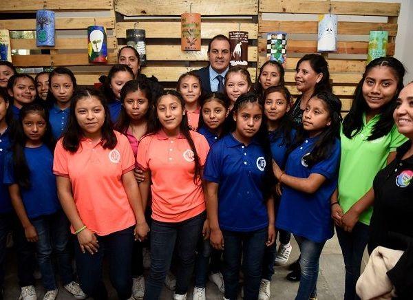 """""""Yo estoy con ellos, vamos con todo; si es para generar un ambiente mejor y para beneficio de la ciudadanía, vamos por esas leyes"""", afirmó en la inauguración del Festival Vive Sustentable 2019 en el Parque Barranca Chapultepec para conmemorar el Día Mundial del Medio Ambiente"""