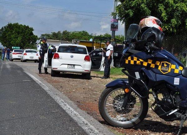 En los límites de Totolapan y Tlayacapan, el funcionario instruyó a los elementos del Mando Coordinado Policía Morelos a conducirse con estricto apego a derecho y con pleno respeto a los derechos humanos