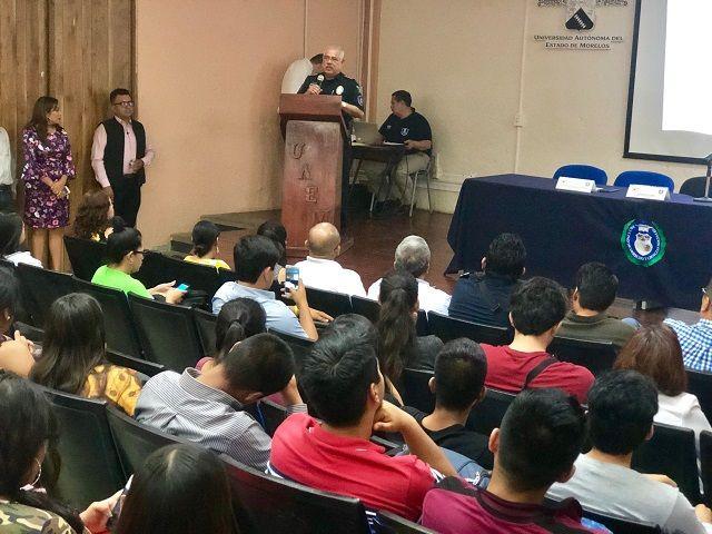 El comisionado presentó el Plan Estatal de Pacificación, atendió las inquietudes de los estudiantes y recibió la propuesta de un convenio de colaboración entre la CES y la Facultad de Derecho y Ciencias Sociales