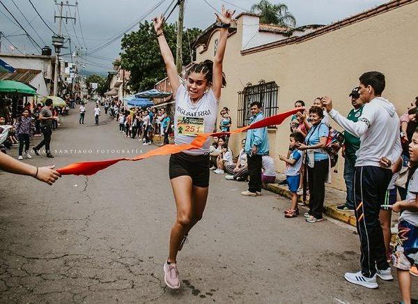 La carrera contó con la organización y coordinación del profesor Ernesto Espinosa, donde los triunfadores en las categorías libre de la rama varonil y femenil fueron Gerardo Vega y Micaela Rayo Reyes, quienes durante los más de 8 kilómetros dominaron la competencia, sobre todo en la recta final en la que apretaron el acelerador para llevarse los máximos honores