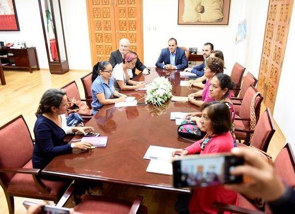 El encuentro se realizó en un ambiente de respeto, en Palacio de Gobierno, donde el mandatario estatal estuvo acompañado de Pablo Ojeda, secretario de Gobierno, y José Manuel Sanz Rivera, jefe de la Oficina de la Gubernatura