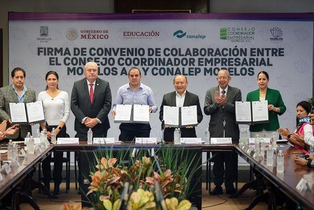 Con dicho acuerdo, se busca garantizar que los cerca de cuatro mil 500 estudiantes del Conalep Morelos, al momento de egresar, sean lo suficientemente competentes para cubrir las necesidades que requiere el sector empresarial y con ello aumentar el índice de empleabilidad a la hora de concluir sus estudios