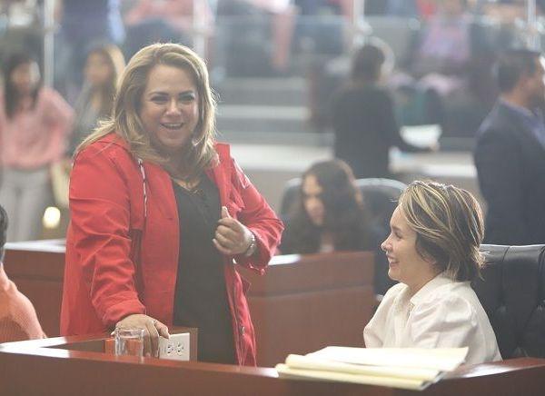 """""""Le damos la más cordial bienvenida"""", señalaron las legisladoras petistas, quienes junto con Díaz Roca acordaron establecer la coordinación necesaria y la preparación de los trabajos legislativos por venir"""