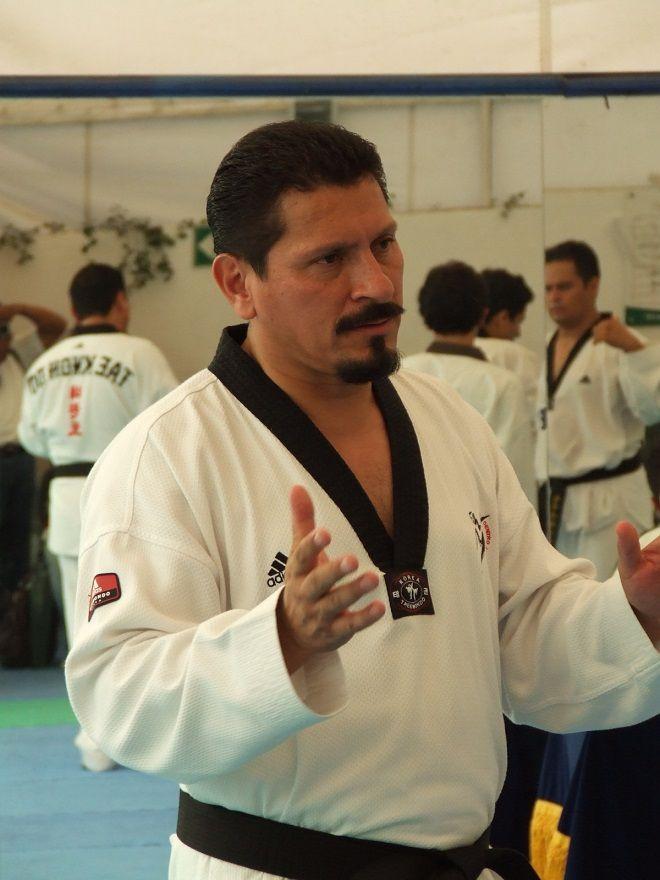 El séptimo Dan, otorgado por la organización mundial de Kukkiwong, avala la trayectoria, y el largo caminar por la actividad del Tae kwon do, la cual ha continuado, desde hace más de 20 años, con la creación del Centro Universitario de Taekwondo –CUT-, el cual se ha extendido por diversos municipios de Morelos y entidades de la República Mexicana
