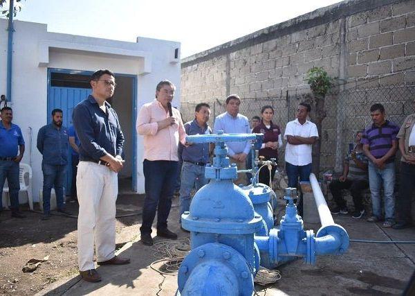 Con la presencia del alcalde Rafael Reyes Reyes, Miguel Eduardo Barrios Lozano, director general del Sistema de Conservación, Agua Potable y Saneamiento de Agua de Jiutepec (SCAPSJ) compartió a los vecinos del centro de población que, por primera ocasión en la historia del pozo de agua, es decir más de 25 años, se llevaron a cabo acciones para mejorar el estado del equipo